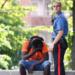 Italie: un Sénégalais tente d'égorger son compatriote un vendeur de panini dans un parc