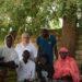 Distribution de lunettes à Saly par le Rotary-Club
